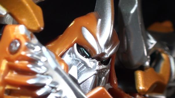 aoe-voyager-grimlock-06