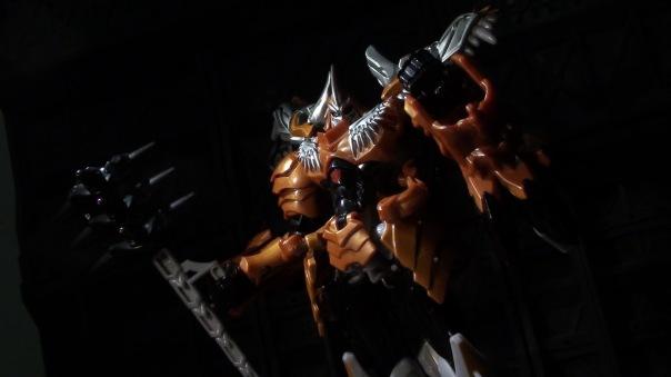 aoe-voyager-grimlock-10