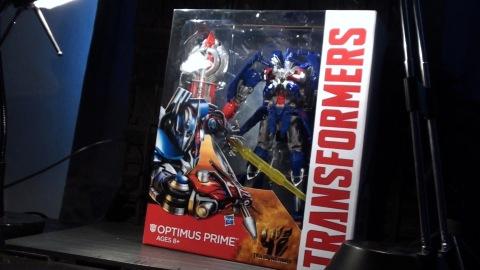 aoe-leader-optimus-01