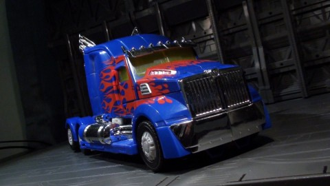 aoe-leader-optimus-02