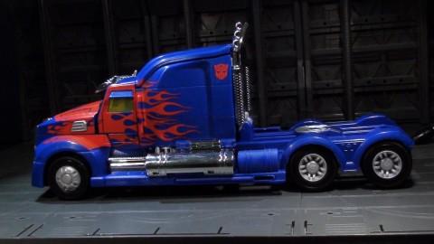 aoe-leader-optimus-03