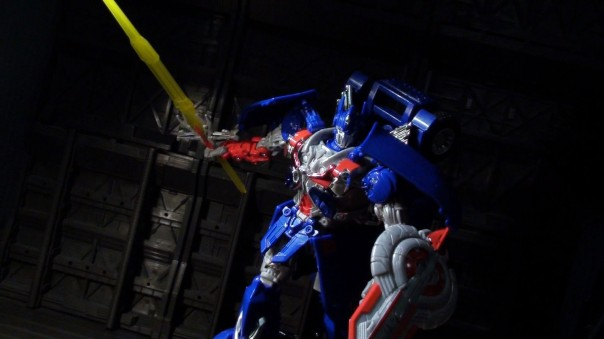 aoe-leader-optimus-07