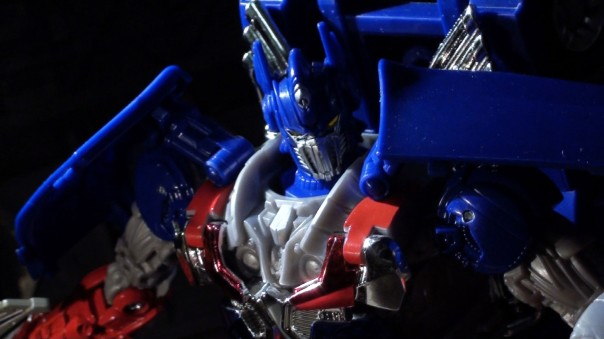 aoe-leader-optimus-09