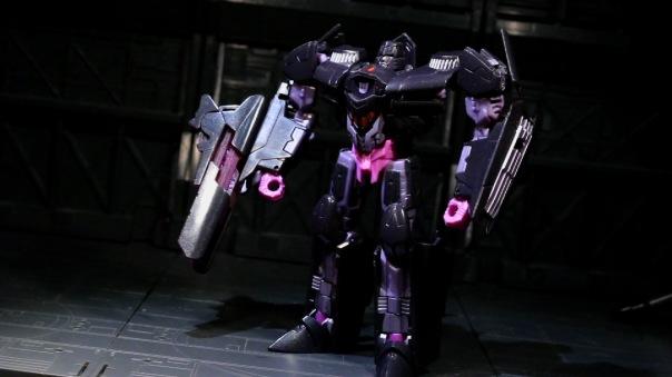 tfg-dlx-megatron-04
