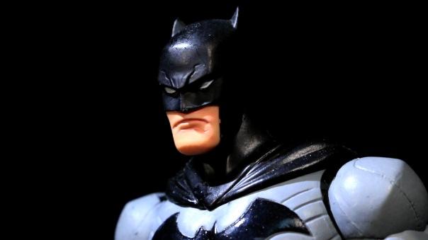 dcc-designer-capullo-batman-04