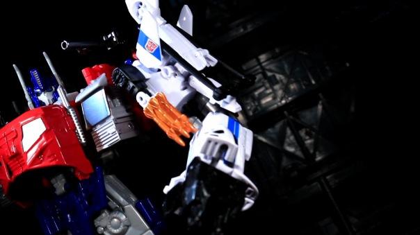 combinerwars-alphabravo-09