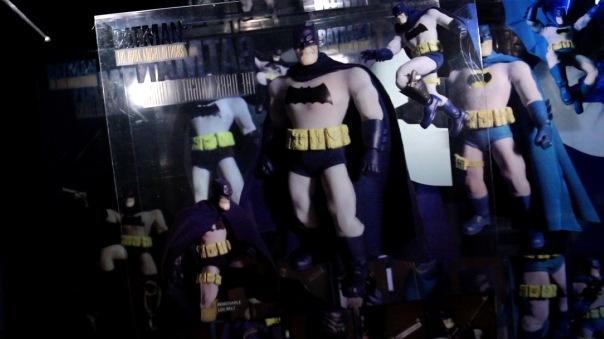 mezco-batman-01