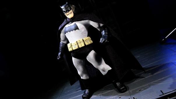 mezco-batman-03