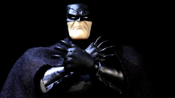 mezco-batman-05