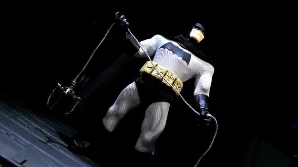 mezco-batman-06