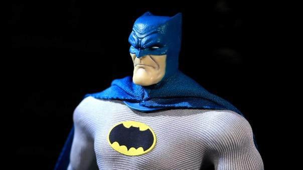 mezco-batman-08