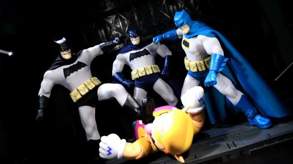 mezco-batman-16