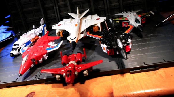 combinerwars-airraid-08