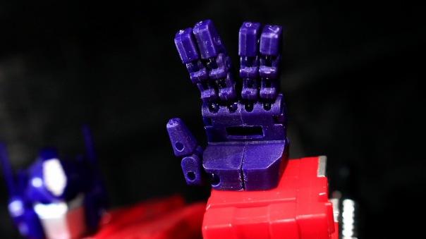 kfc-kp06t-hands-05