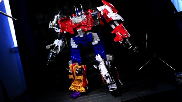 combinerwars-optimusprime-06