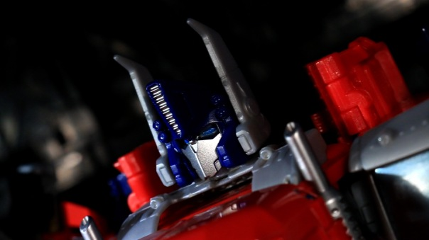 combinerwars-optimusprime-08