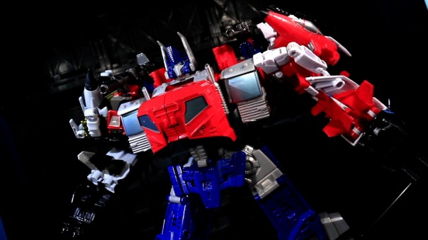 combinerwars-optimusprime-09