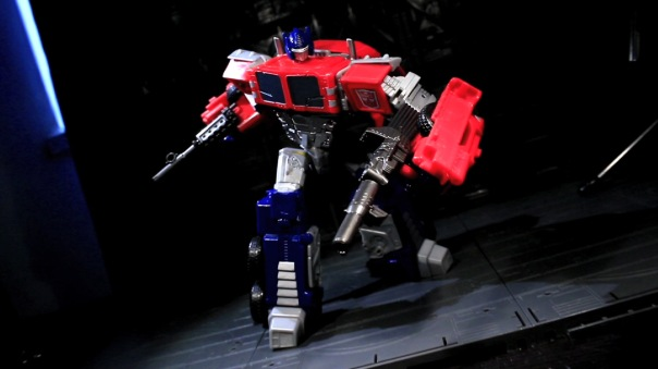 combinerwars-optimusprime-11
