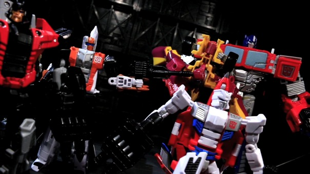 combinerwars-optimusprime-12