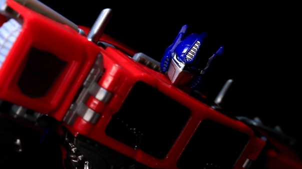 combinerwars-optimusprime-13