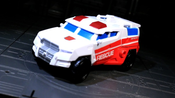 combinerwars-firstaid-01