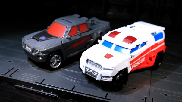 combinerwars-firstaid-03