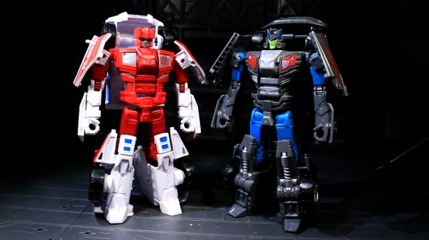 combinerwars-firstaid-06