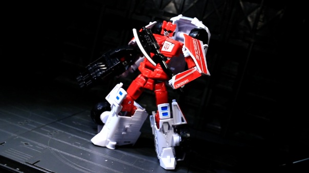 combinerwars-firstaid-07