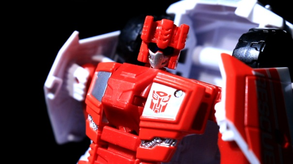 combinerwars-firstaid-11