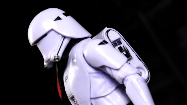 starwars-blackseries6in-FOsnowtroopOfficer-03