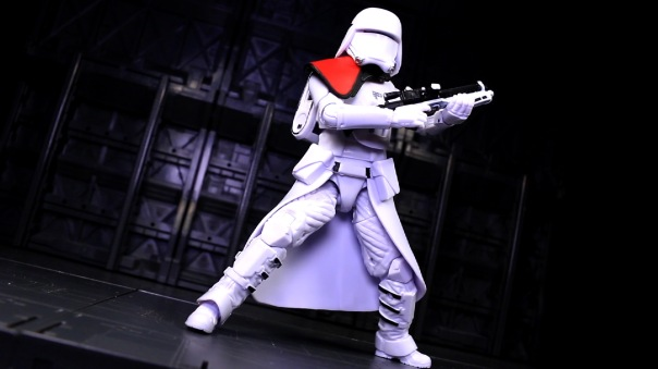 starwars-blackseries6in-FOsnowtroopOfficer-08