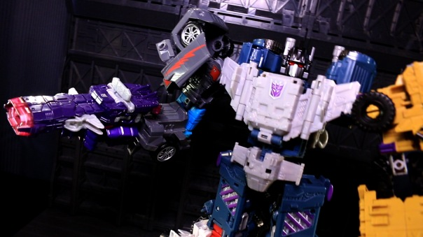 combinerwars-shockwave-04