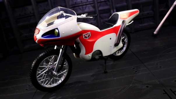 shf-rider1-newcyclone-02