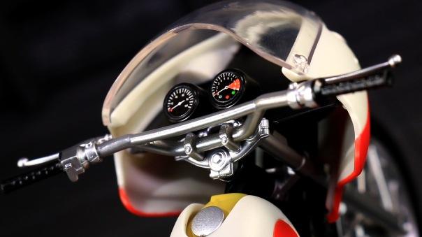 shf-rider1-newcyclone-03