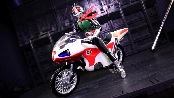 shf-rider1-newcyclone-06