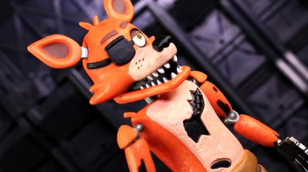 funko-fnaf-foxy-03