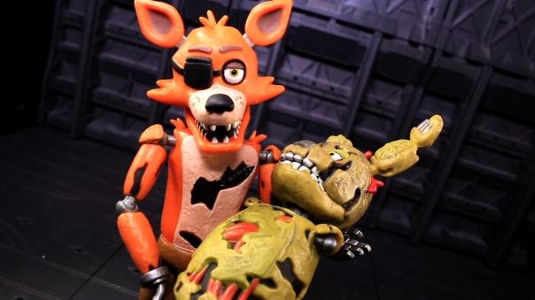 funko-fnaf-foxy-07