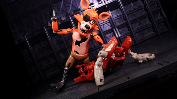 funko-fnaf-foxy-08