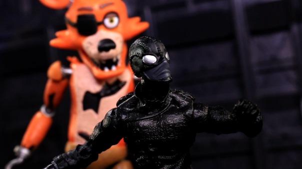funko-fnaf-foxy-09