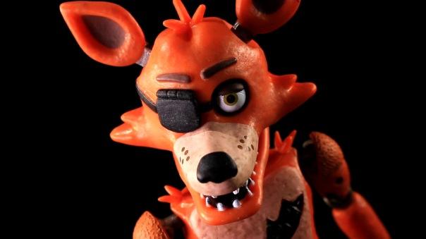 funko-fnaf-foxy-11