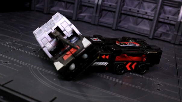 titansreturn-laserbeak-09
