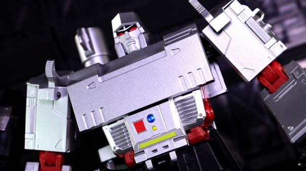 dx9-d09-mightron-03