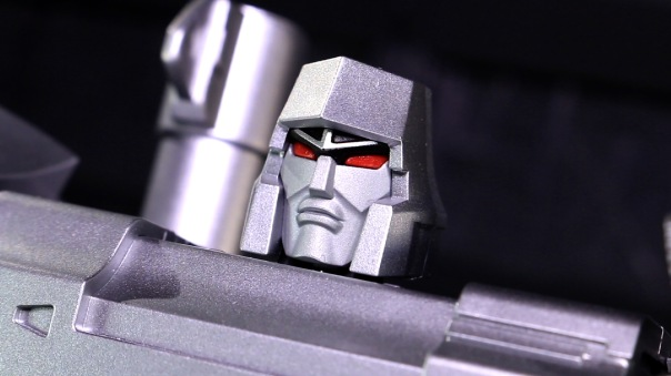 dx9-d09-mightron-05