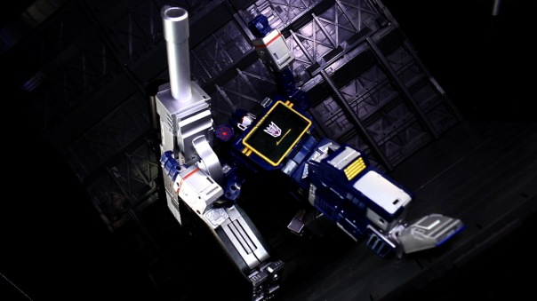 dx9-d09-mightron-08